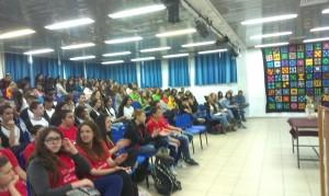 התלמידים שמעו הרצאות וקיימו דיונים על סכנות השימוש באלכוהול וסמים. צילום: עיריית ק/ ים